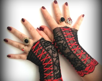 Fingerless lace gloves  Black with red
