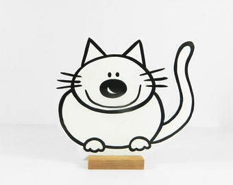 Wooden  cat Dolly. Easy pet! Very good company.