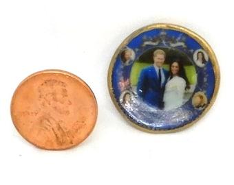 DOLLHOUSE MINIATURE - Harry and Megan Commemorative Plate 3