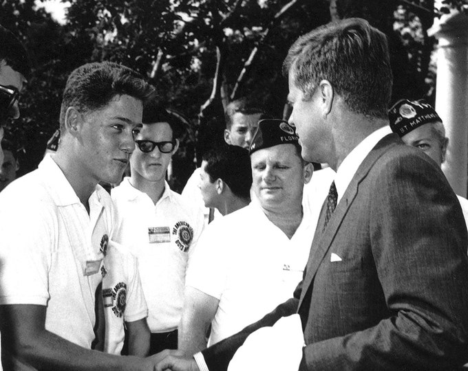 President John F. Kennedy Greets 16 Year Old Future Leader Bill Clinton in 1963 - 8X10 Photo (AA-852)