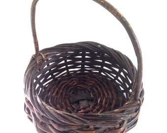country French round basket handle; rustic primitive home decor, mid century mod, yesteryears cottage chic kitchen