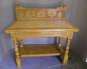 Antique Decorative Hall Table / Side Table / Washstand