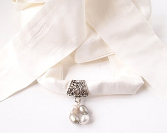 Scarf pendant slide with a small freshwater pearls jewel and Silk ribbon, 2 colors or pearls available