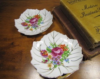 Viceroy China - Small Leaf Shaped Trinket Dishes - Floral Bouquets - Gold Accent - Set of Two (2)