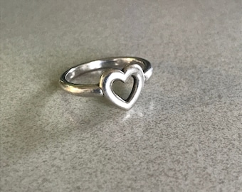 Sterling Silver Heart Ring - Size 7