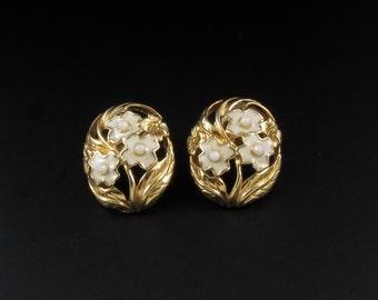 Avon Enameled Flower Earrings, Avon Earrings, Gold Earrings, Enameled Earrings, Floral Earrings