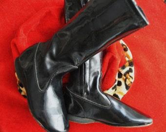 Vintage Girls 60's Black Vinyl Boots Mod Go Go Costume Child's Toddler Size 8 US/25 EU/7 UK/Retro Theater Zipper Side Display Pageant Shoe
