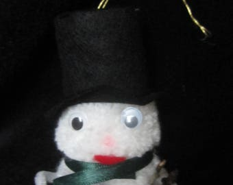 Snowman to hang in your Christmas tree