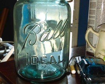 Ball ideal Mason quart jar(blue)