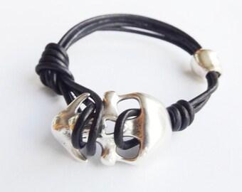 Skull bracelet, skull leather bracelet, mens bracelets, skull jewelry, leather jewelry, skull bracelets, boho bracelet, bohemian bracelet