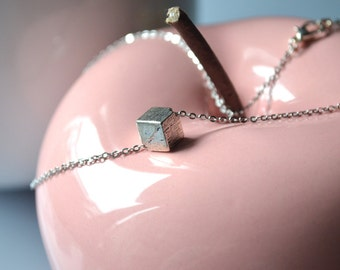 pendant necklace silvery cube