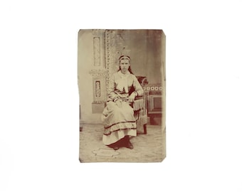 Vintage Tintype Photo of Young Girl / Victorian Era Tintype Photograph