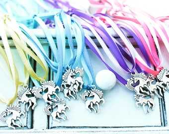Unicorn Necklace | Unicorn charm | Unicorn Jewelry | Unicorn Party | | Licorne | Unicorn Favor | Licorne Favor | Party Favor for Kids