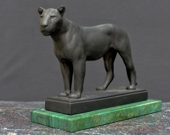 Sculpture, LIONESS made by August Gaul, Bronze with black or white Patina
