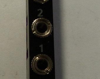 4DAC: 2HP 4-bit R2R resistor ladder DAC for Eurorack
