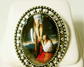 Saint Mary Magdalene at the cross  brooch/pin - BR02-120