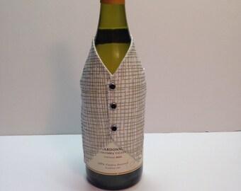 Wine bottle vest, wine bottle decoration, wine bottle wrap in a gold crosshatch print