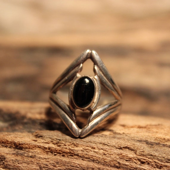 Vintage Sterling Silver Black Onyx Ring Mexico Signed 3.1 Grams Size 6 Vintage Ring Womens/Mens Rings Vintage Silver ring  Silver Onyx Ring