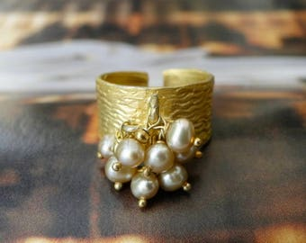 Handmade Jewelry / Adjustable Ring / Champagne Freshwater Pearl and Gold Ring / Women's Jewelry / Holiday Gift / Bridal Ring / Gold Ring