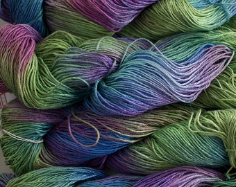 Linen 16/4, Hand painted yarn, 300 yds - Nepeta