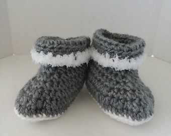 Gray Cuffed Boots with Fur Size 6-12 Months