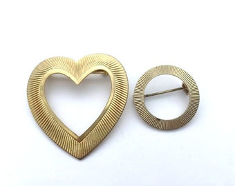 Vintage - Pair of Brooches - Heart and Open Circle - Goldtone