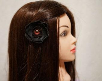 Attache en cuir recyclé pour les cheveux, chapeau ou revers