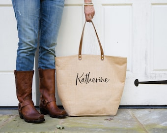 Personalized Burlap Tote Bag with Pocket | Teachers Gift | Birthday Gift for Mom | Gift for Sister | Beach Travel Bag | Kelly Font