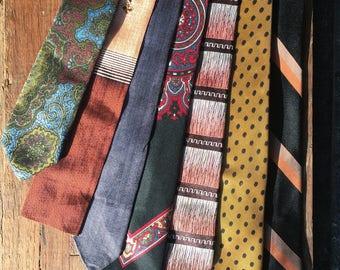 Lot of 7 Vintage late 1950s early 1960s Men's ties. Skinnie ties.
