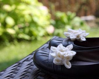 Vanilla Cream, Felt Flower Shoe Clips