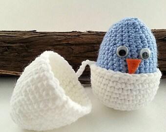 1 little crochet easter egg, blue chick