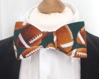 Mens bowtie ~ For the baseball fan  ~ necktie ~ neoud ~ handmade bowtie