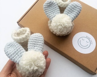 Baby boy shoes, Crochet baby shoes, Baby bunny booties, Easter baby gift, New baby gift, Baby shower present, Photo prop, Baby bunny shoes