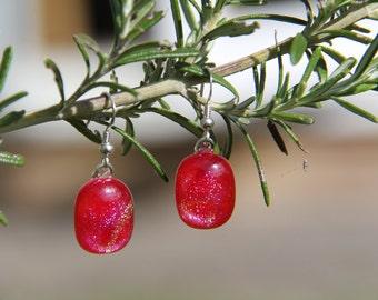 Red dichroic dangly drop earrings