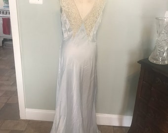 Vintage 1940's Skylin Night Gown