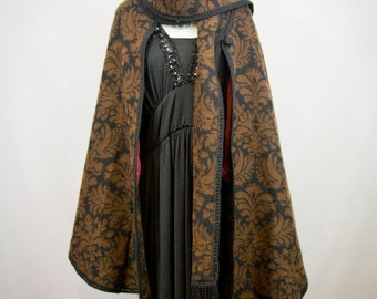 Beautiful hand made La Llama Alpaca cape
