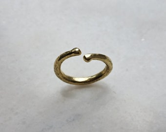 Torque Ring / Solid 18ct gold