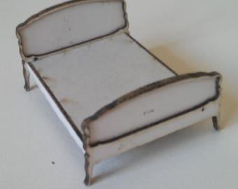 Dollshouse miniature kit quarter scale (1:48.1/48) French Louis bed.