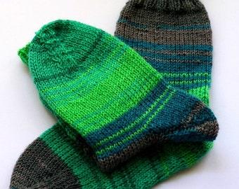 Cozy warm socks size EU28/31, US kids 10/13, handknit in greens and grey with tiny braid