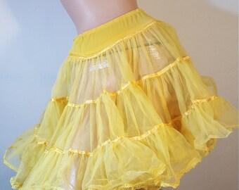 FREE  SHIPPING  Vintage Full Circle petticoat
