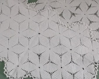 Vintage Doilies Rectangle Lace Doilies in White and Off White 2 Pieces