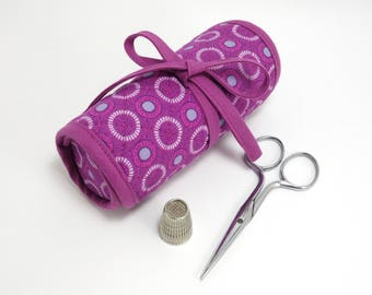 Purple sewing case with felted needle book / Travel sewing kit / Gift for sewer / Geometric pattern, circles on purple