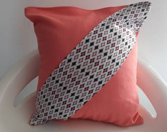 30 x 30 cm coral and geometric Cushion cover