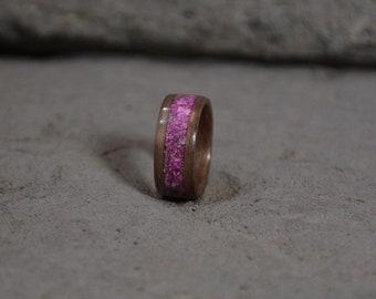 wood ring, bentwood ring, walnut bentwood ring with pink Howlite inlay