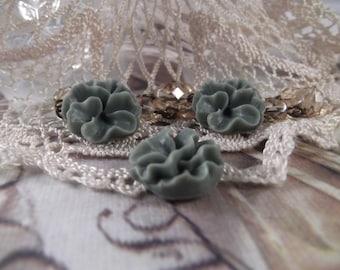 Matte Resin Pansy Flowers --- Set of 3 --- (Vintage Slate Blue) --- RES 23