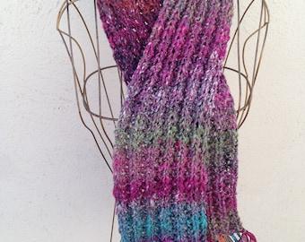 17012 - Handknit scarf