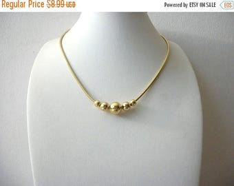 ON SALE Vintage Dainty Shorter Length Gold Tone Necklace 61416