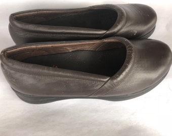 Vintage Propet Women's Brown Leather Slide Shoes 11-12