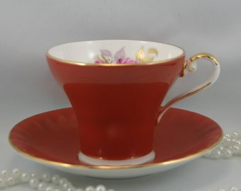 Lovely Aynsley Teacup & Saucer, Single Pink Rose on White Background, Burgundy Borders, Gold Rims, Bone China made in England in 1970s.