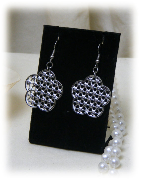 FLOWER SHAPED DANGLES . . Stainless Steel Silver or Gold Plate